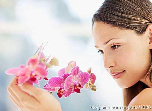女人去美容院做胸部保养的15大好处 美容院做胸部的好处