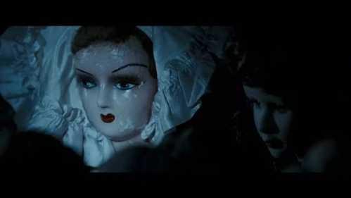 吓得我把充气娃娃都扔了 冲气娃娃电影