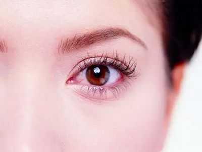 眼睛有红血丝要怎幺消除 减少红血丝