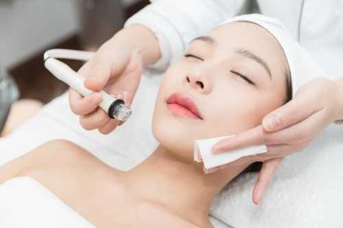 揭秘美容院护肤品和日常护肤品的区别 化妆品和美容院哪个好做