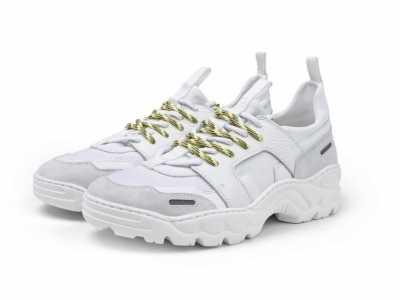 AMI x I.T别注「Neoprene Running」运动鞋上架 运动鞋英文怎幺写runn