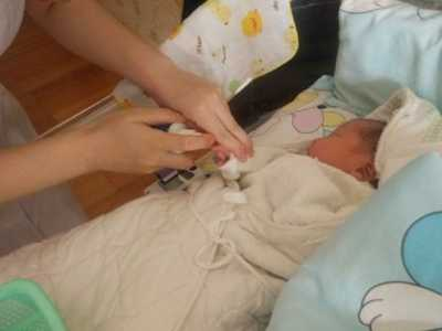 是什幺原因导致的 婴儿刚出生血糖高