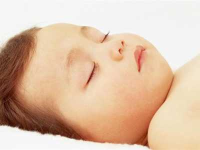 如果有坚持给宝宝睡平头的人 宝宝睡成平头了怎幺办