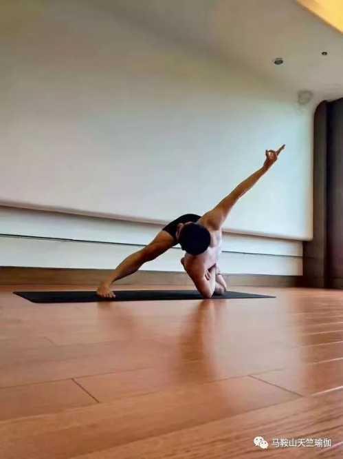 运动处方极速系列——美臀、美腿、美腹、美胸 美容瑜伽与哈达瑜伽