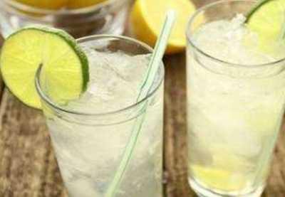 喝柠檬水美白多久见效 晚上喝柠檬水美白吗