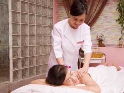 美容院怎样说服顾客做肩颈护理项目 美容院做背后肩颈手法